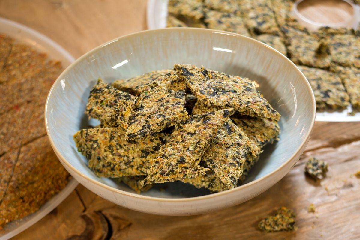 Безглютеновые хлебцы с водорослями вакаме