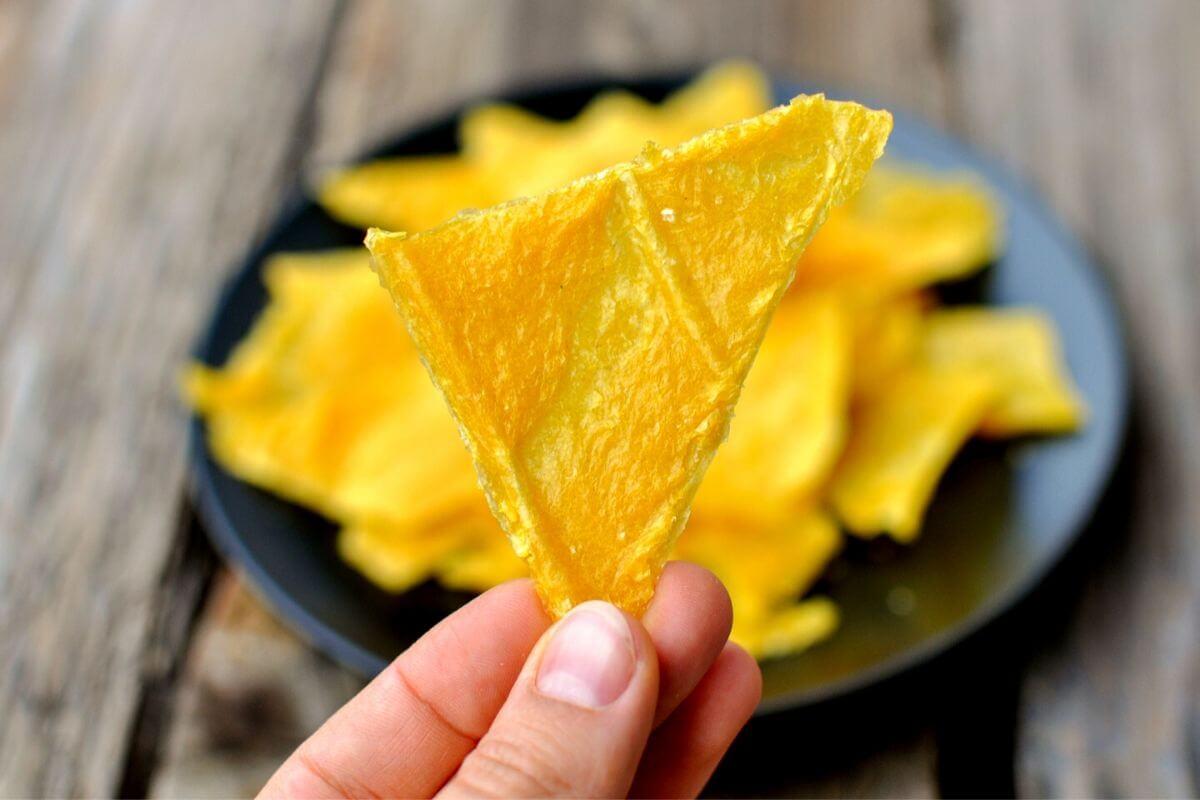 Острые сырно-овощные чипсы