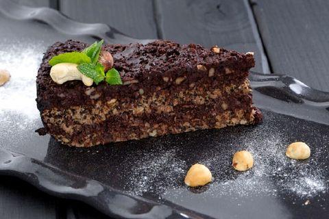 Новогодний маково-шоколадный торт
