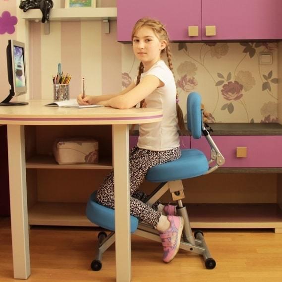 Коленный стул Smartstool KM01L подходит для детей