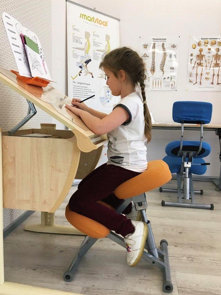Стул коленный Smartstool KM01L с газлифтом