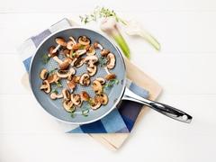 Сковорода для рыбы и овощей GreenPan Milan 26 см черная