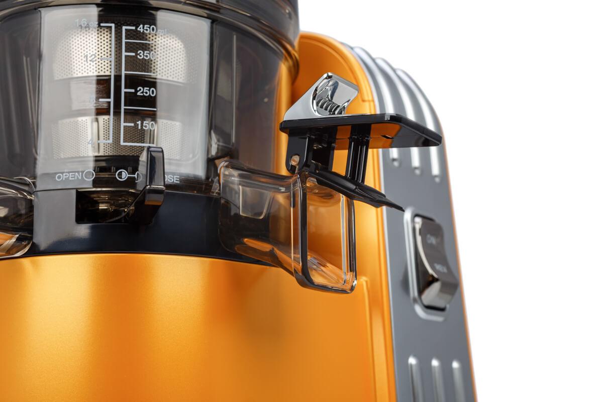 Клапан перекрытия выхода сока в открытом положении