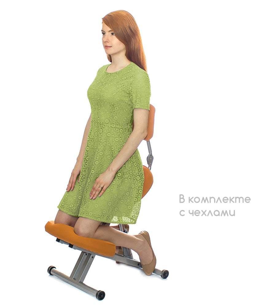 Коленный стул Smartstool KM01B в комплекте с оранжевыми чехлами